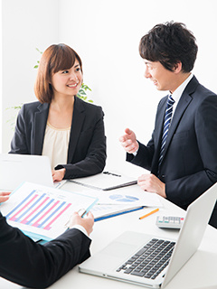 経営管理(グループ各社や各事業の財務・内部統制)★月給28万円以上