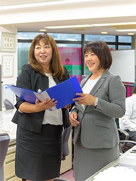正社員デビュー歓迎!平均年収は819万円です。/営業